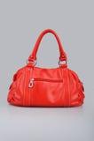Bolso de mano rojo de las mujeres Foto de archivo libre de regalías