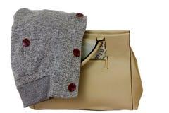Bolso, dinero y camiseta Foto de archivo libre de regalías