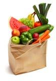 Bolso por completo de frutas y verdura sanas Imagen de archivo