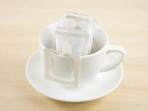 Bolso recientemente preparado del goteo del café de instante Foto de archivo libre de regalías