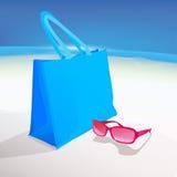Bolso y gafas de la playa Foto de archivo