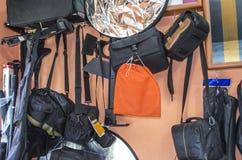 Bolsos, cubiertas y reflectores para las fotos fotografía de archivo
