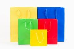 Bolsos de compras coloridos fotos de archivo