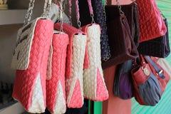 Bolsos de compras coloridos Fotografía de archivo libre de regalías