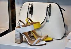 Bolsos de cuero y zapatos Imagen de archivo libre de regalías