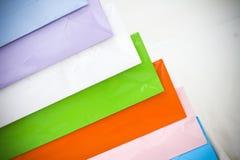 Bolsos de papel clasificados del regalo que hacen compras Imágenes de archivo libres de regalías