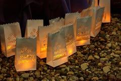 Bolsos del feliz cumpleaños con la luz dentro Imágenes de archivo libres de regalías