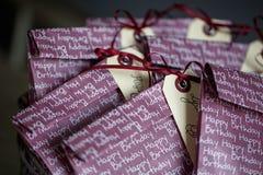 Bolsos del regalo en la fiesta de cumpleaños Fotos de archivo libres de regalías