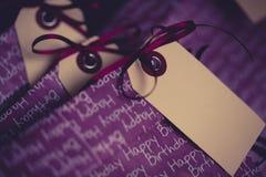 Bolsos del regalo en la fiesta de cumpleaños Imagen de archivo libre de regalías