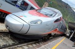 Bolzano stacja kolejowa - parowozowej prędkości pociągi Zdjęcia Stock
