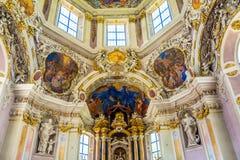 Bolzano, Varna en el Tyrol del sur, Italia, puede 25, 2017: interior de los lugares geométricos regulares de Abbazia di Novacella Fotografía de archivo
