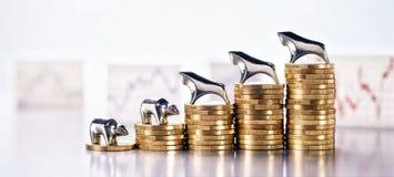 Bom desenvolvimento das cotações da bolsa de valores imagens de stock royalty free