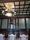 Bom design de interiores olhado para a casa e a sala imagem de stock