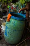 Bomba de água antiquado do ferro imagens de stock