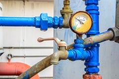 Bomba de água mais fria com calibre de pressão Imagem de Stock Royalty Free