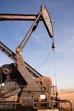 Bomba de óleo Jack Fracking Crude Extraction Machine de North Dakota fotos de stock