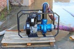 Bomba de agua fotos de archivo libres de regalías