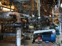 Bomba de agua del motor eléctrico bajo reparación en la central eléctrica fotografía de archivo
