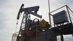 Bomba de funcionamiento Jack Extracts Natural Oil del pozo almacen de video
