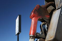 Bomba de gás com sinal foto de stock royalty free