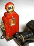 Bomba de gas antigua Imágenes de archivo libres de regalías