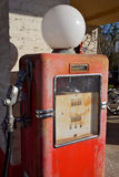 Bomba de gasolina do vintage Fotografia de Stock