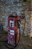 Bomba de gasolina velha do combustível Imagem de Stock
