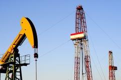 Bomba de petróleo fotografía de archivo libre de regalías