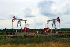 Bomba de petróleo dos Foto de archivo