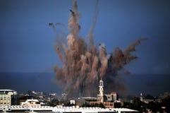 Bombardeo aéreo en Franja de Gaza  Fotos de archivo libres de regalías
