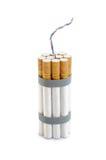 bombardera cigaretten Fotografering för Bildbyråer