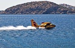 Bombardier 415 d'avions de lutte anti-incendie de la Grèce Image libre de droits