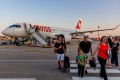 Bombardiere CS300 di Swiss Airlines all'aeroporto di Pola Fotografie Stock