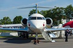 Bombardiere 5000 globali dell'aerotaxi Fotografia Stock Libera da Diritti