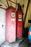 Bombas de gasolina do vintage fotos de stock royalty free
