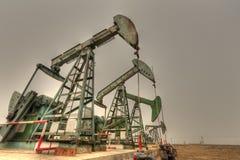 Bombas de petróleo (HDR) imágenes de archivo libres de regalías