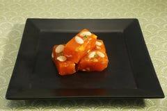Bombay Halwa Van karachi of Turkse Verrukking - Indische Snoepjes stock afbeeldingen