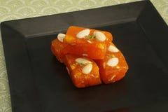 Bombay Karachi Halwa eller turkisk fröjd - indiska sötsaker Arkivfoton