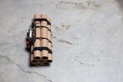 Bombe à retardement avec des rouages électroniques fonctionnants photo libre de droits