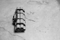 Bombe à retardement avec des rouages électroniques fonctionnants image stock