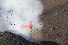 bombe volcanique fantastique en vol Photo libre de droits