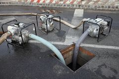 Bombeamento da água Imagens de Stock Royalty Free