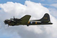 Bomberflugzeuge ` Sally B Fliegender Festung Boeings B-17 Ära des Zweiten Weltkrieges ` G-BEDF Stockbilder