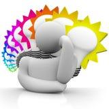 Bombillas coloridas del pensador que piensan al hombre que sueña ideas Fotos de archivo libres de regalías