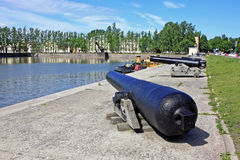 Bombing smoothbore gun on the bank of the Italian pond in Kronst Stock Photo