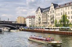 Bomblowanie rzeka w Berlin Fotografia Stock