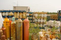 Bombole a gas vuote allo scarico pubblico di yellowknife Fotografia Stock