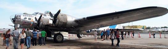 Bombplan B17 på skärm Royaltyfria Foton