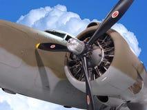 Bommenwerper in de wolken Stock Afbeelding