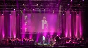 bomull för den bandbudapest klubban utför sångare Royaltyfri Fotografi